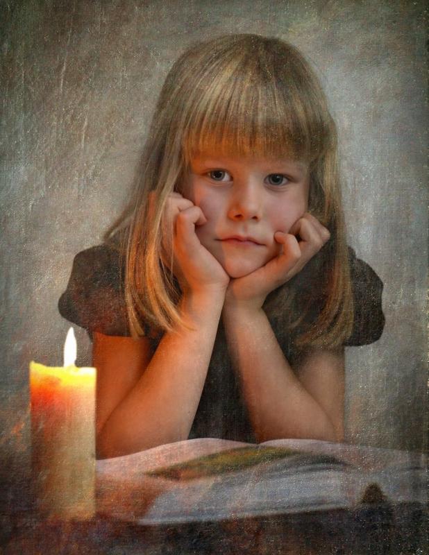 портрет девочки со свечой