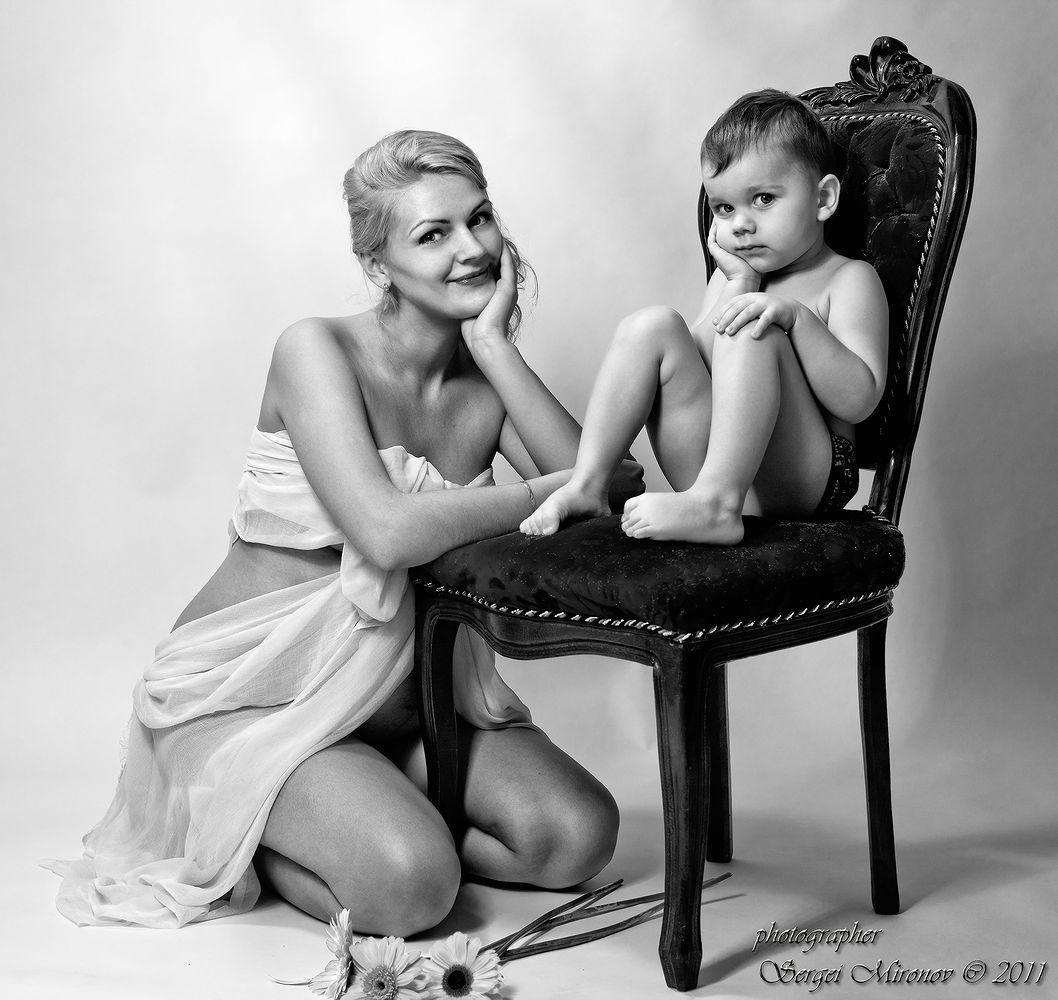 Семейный портрет-ожидание... | Сергей Миронов | Портрет | Фотография #2127