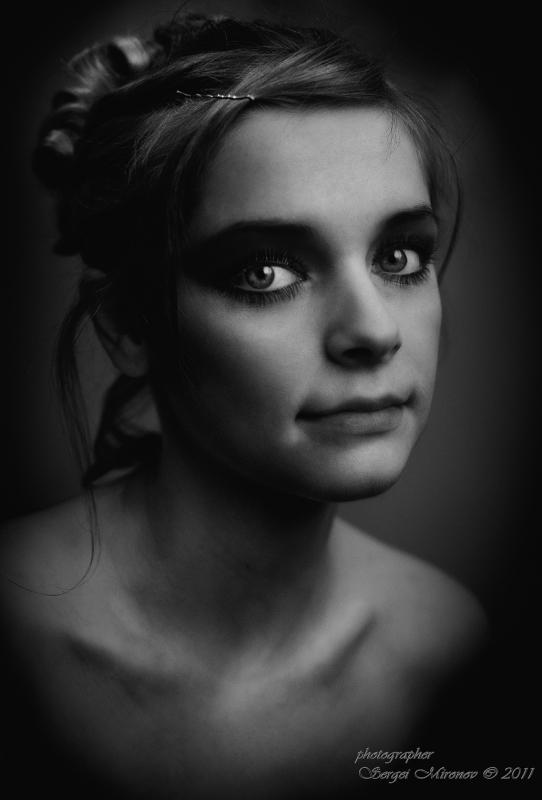 """женский портрет в """"темной тональности"""""""