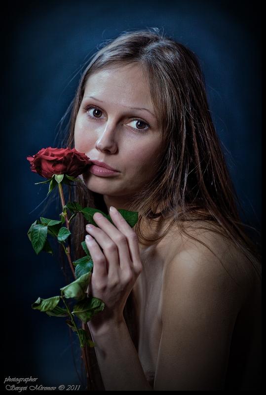 портрет Лауры с розой