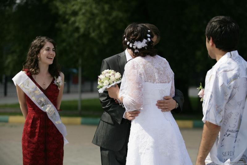 первый поцелуй в новом статусе Мужа и Жены...)