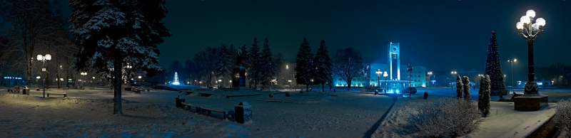 ночной вид на главную площадь г. Мытищи