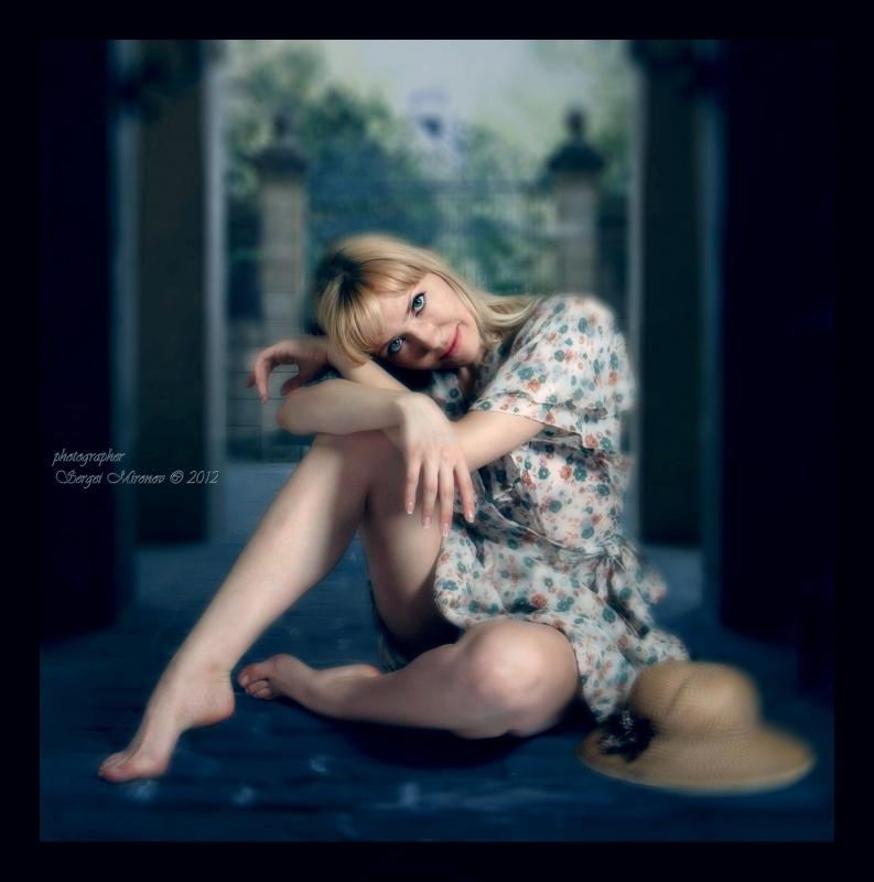 Романтичный портрет молоденькой девушки