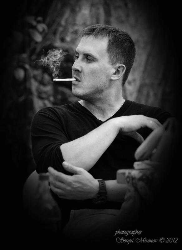 портрет с сигаретой