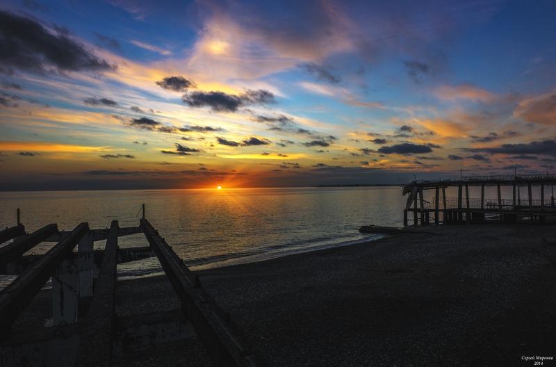 Закат на море. Абхазия