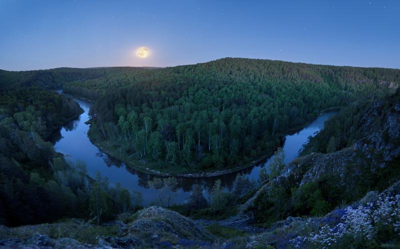 Ночь над рекой. (НСО)