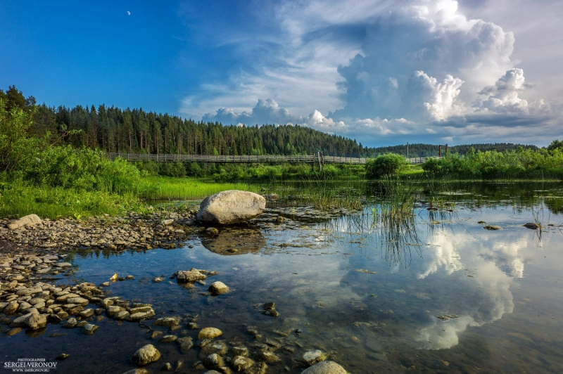 подвесной мост на реке Вага Вологодской области