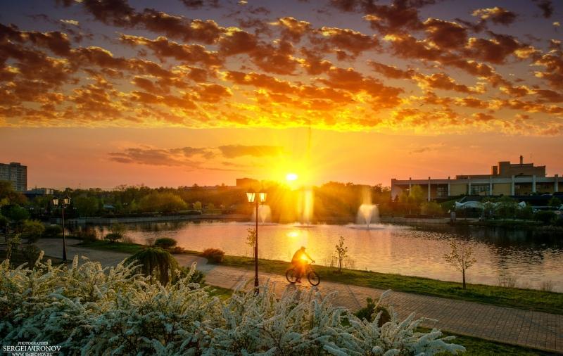 закат на реке Яуза в черте города Мытищи