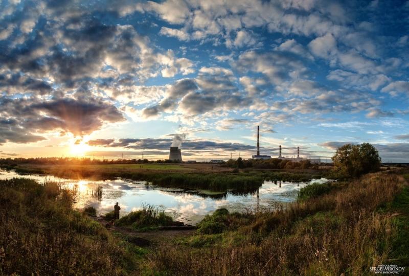 закат на фоне Северной ТЭЦ