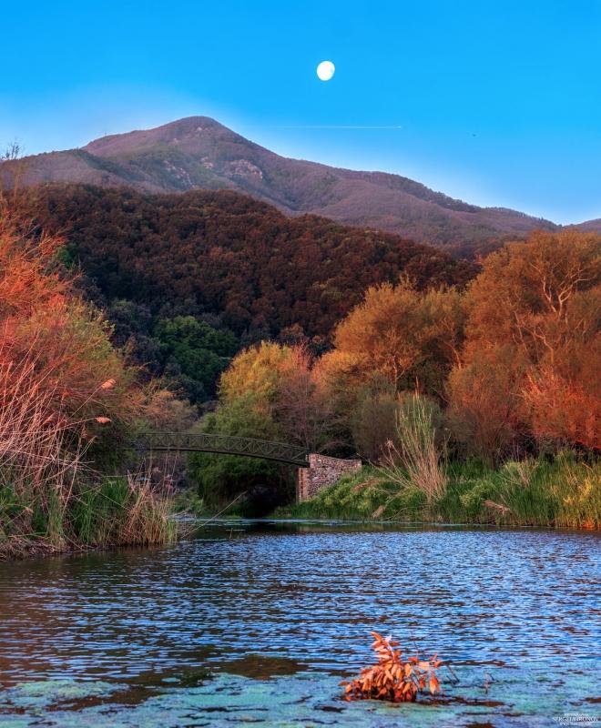 Афон. Река рядом с монастырём Иверон