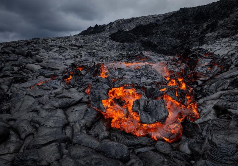 Erez Marom оплавил своего дрона в вулкане для получения эффектных снимков | Статья | Текст #203270