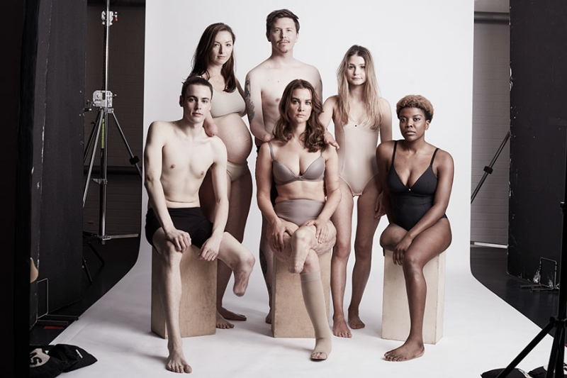 19 моделей в доверительной фотосессии