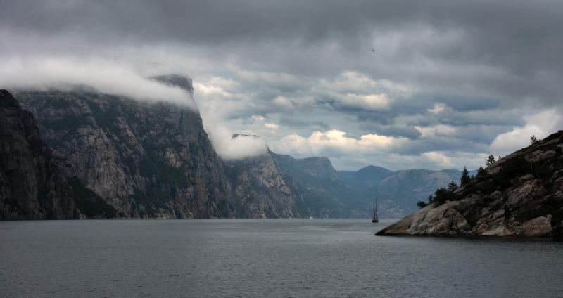 хмурое небо Норвегии